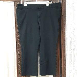 Black Old Navy Pixie Mid-Rise Crop Pants